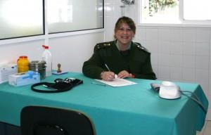 Rosa Romero en la consulta de Enfermería en la Base Naval de Rota